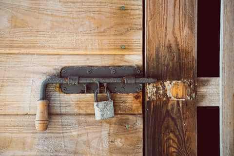 פורץ דלתות