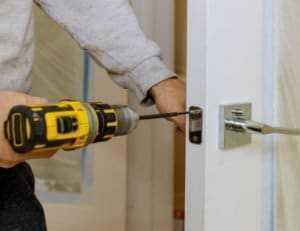תיקון מנעול דלת בני ברק